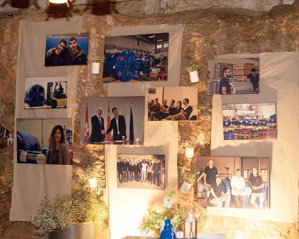 קיר המערה עם קולג׳ העשור